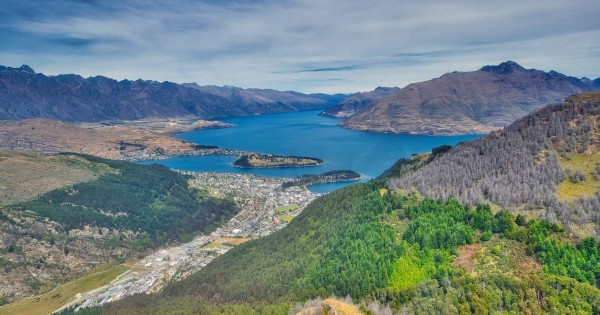 Queenstown outdoors World Travellers New Zealand