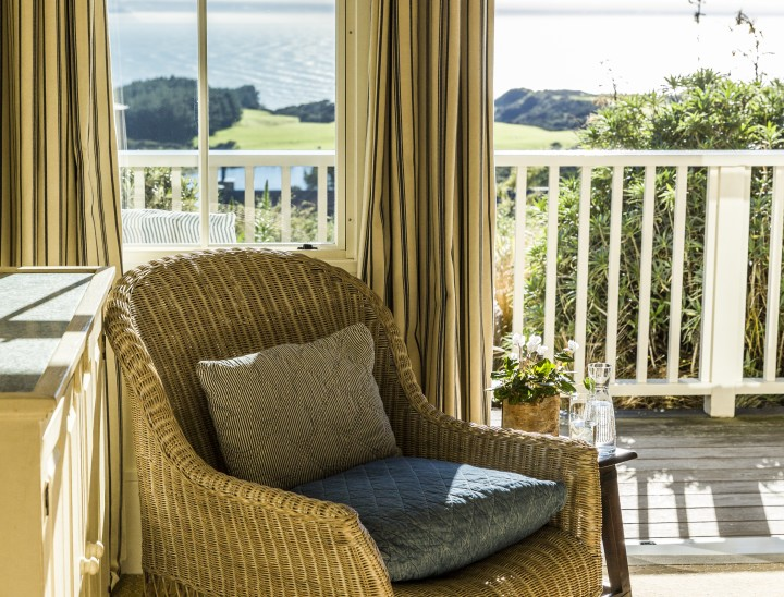 cape kidnappers hilltop suite seating area